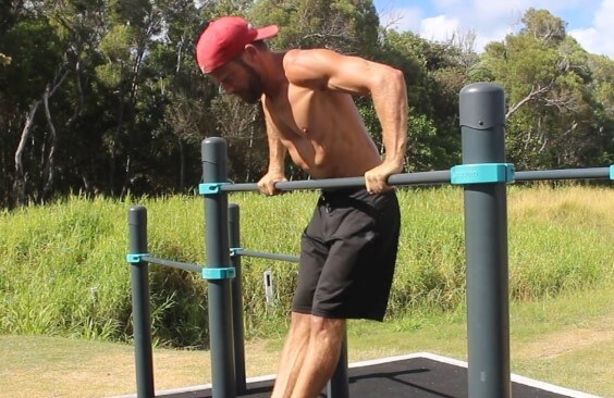 Example of straight bar dips